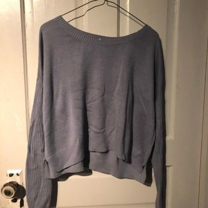 Lilac sweater with ribbed arms
